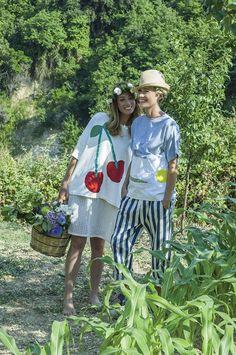 Felpa LUPINO, abito sotto COCCO / T-shirt NETTARINA, pantalone DATTERO/riga, cappello POMELO