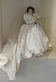 Ashton Drake Bride Porcelain doll Elizabeth 1990's Retired Wedding NO BOX #ashtondrake