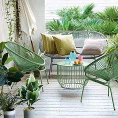 Acapulco Chairs for Minimalist Balcony Decoration - Unique Balcony Garden Decoration and Easy DIY Ideas Outdoor Garden Furniture, Patio Furniture Sets, Furniture Design, Garden Chairs, Balcony Garden, Outdoor Spaces, Outdoor Chairs, Outdoor Decor, Outdoor Living