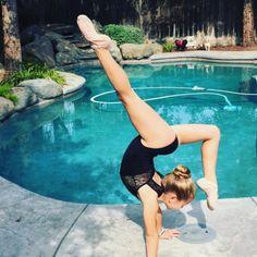 I'm loving this absolutely gorgeous day! ☀️☀️#fdfeatureme #worldwidedance #igdpostme #flexiblitynation #flexible__people #dolce #kennedy  #teamsportgala #_talentsupport #theflexiblequeens #tinydancer #minidancer #photography #dancepictures #thedancersfeature #fdpambassadors #ballet #dancer #dancemoms #kennedypaige #datwfeature #dolce  #likedance16  #_flexibilitypost_  #mydancegift #detailsgirl #lovedds