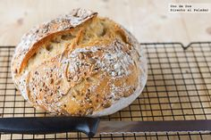 No knead bread / pan sin amasado. Bread Machine Recipes, Bread Recipes, Real Food Recipes, Cooking Recipes, Pan Dulce, Food N, Food And Drink, Salty Foods, Pan Bread