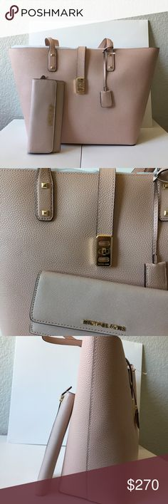 f61a5d4d8b 🌵🍒Michael kors shoulder tote bag wallet set🌵🍒 💯 percent authentic and  new with tag Michael Kors Bags Shoulder Bags