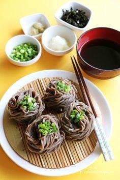 Gourmet Recipes, Real Food Recipes, Cooking Recipes, Yummy Food, K Food, Food Menu, Best Korean Food, Aesthetic Food, Food Design