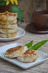 Diah Didi's Kitchen: Wingko Babat Nangka Indonesian Desserts, Indonesian Cuisine, Indonesian Recipes, Diah Didi Kitchen, Dessert Boxes, Korean Food, Food Photography, Food And Drink, Easy Meals