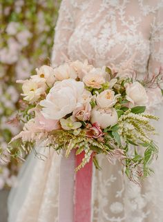 elegant blush bridal bouquet