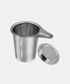Save tea bags by using a tea infuser and buying your tea in bulk! This stainless steel Tea Infuser is robust and very thin, allowing you to infuse very fine tea in it.