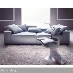 """Der """"Torma Lounge-Sofa 3-Sitzer"""" überzeugt mit einem verstellbaren Rückenteil und einer angenehmen Sitztiefe. Das Sofa besteht aus Polyester und wird…"""
