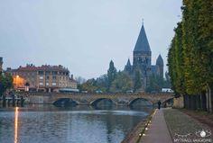 My Travel Background : 12 lieux à visiter à Metz - Vue sur le temple Neuf depuis le plan d'eau