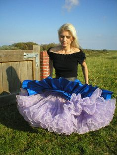 Windy Skirts, Dress Skirt, Prom Dress, Facon, Sexy Outfits, Short Dresses, Vintage Fashion, Clothes For Women, 80s Prom