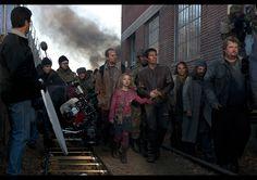 "Tom Cruise & Dakota Fanning in Steven Spielberg's 2005 remake of ""War of the Worlds"""