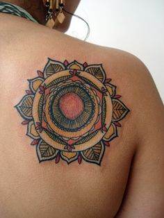 Mandala- LOVE THIS ONE! Awesome line work, wabi sabi style, natural colors... LOVE IT <3