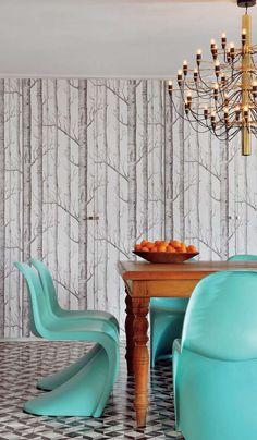 Amazing dining room by designer Marcelo Rosembaum. #zincdoor #impressivedesign #marcelorosembaum