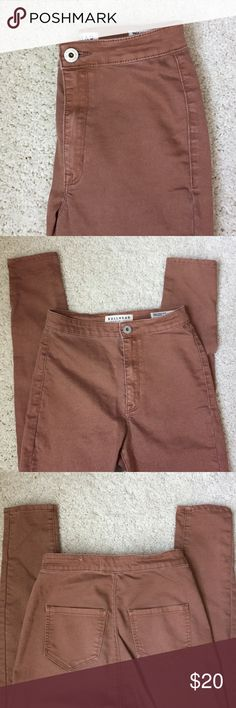 Bullhead Uber High Rise Skinniest Jeggings Bullhead Uber High Rise Skinniest Jeggings. Color tan. Very high wasted. Worn a few times. ‼️ size says 3 but fits a size 0. ‼️ Bullhead Jeans Skinny