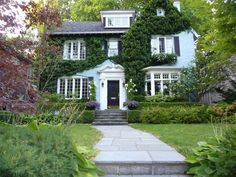 Delightful Moore Park Toronto large centre hall residence
