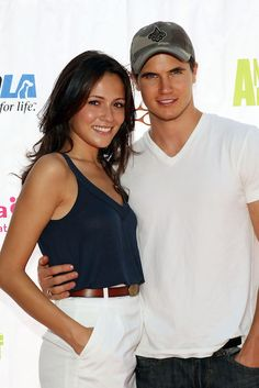 Canadian actor, Robbie Amell with his girlfriend Italia Ricci. She is a Canadian actress on whom Robbie already had a crush.