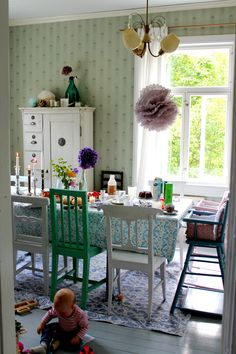 Niinan unelmia Old Wallpaper, Vintage Room, Tiny Spaces, Cottage Interiors, Scandinavian Home, Cozy House, House Colors, Interior And Exterior, Sweet Home