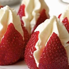 """Bobby Flay Brunch Recipes Strawberries Filled with """"Clotted"""" Cream, a delicious cheat using whipped cream and silky mascarpone cheese. Perfect for brunch or afternoon tea! The post Bobby Flay Brunch Recipes & Essen & Anrichten appeared first on Food . Mini Desserts, Dessert Recipes, Easter Recipes, Tea Party Desserts, Tea Party Foods, Recipes Dinner, Plated Desserts, Cupcake Recipes, Tea Party Cakes"""