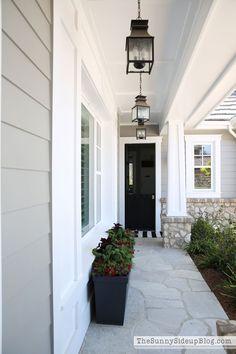56 super ideas for house facade design exterior colors porches Exterior Gris, Exterior Gray Paint, Design Exterior, House Paint Exterior, Grey Paint, Gray Exterior Houses, Craftsman Exterior Colors, Facade Design, Gray Siding