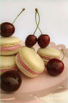 Französische Macarons mit Kirschfüllung // french macaron recipe