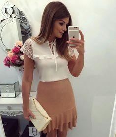 Saia, blusa branca, look romantic, Ariane Canovas.