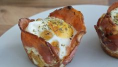 If you have bread, eggs, bacon and a muffin pan, then you can make breakfast cupcakes. They're the breakfast version of cupcakes and are totally awesome. Breakfast Time, Best Breakfast, Paella, Brunch Recipes, Breakfast Recipes, Breakfast Ideas, Bacon Muffins, Breakfast Cupcakes, Breakfast Muffins
