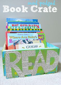 { Make your own book box!} Cute idea to keep books in the living room or kids room organized  #plaidkidscrafts