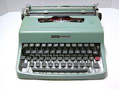 Vintage Underwood Olivetti 32 Typewriter - Pale Blue - 1963