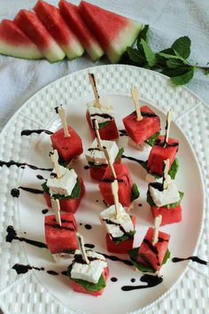 Watermelon Feta Mint Skewers-These would be great on the patio | Bites of Bri Potluck Dishes, Potluck Recipes, Potluck Ideas, Appetizer Recipes, Snack Recipes, Cooking Recipes, Finger Food Appetizers, Finger Foods, Appetizers For Party