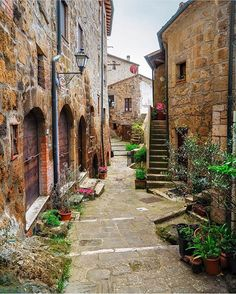 Sorano, Toscano, Italy Go see @timothysykes lessons as he's a self-made multi-millionaire who now teaches others and has created several millionaires from scratch in the past few months! His top student turned $1,500 into $2.7 million in 4 years & got featured on CNN, are you @timothysykes next millionaire student? Photography by @ilhan1077