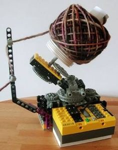 Home-made yarn winder out of LEGOs! Can you believe it