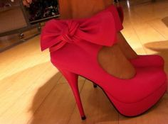 My favorite, bows!<3