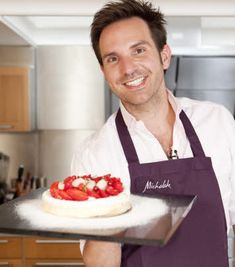 Mini Pavlova, Meringue Pavlova, Eclairs, Biscuits, Coco, Healthy Recipes, Healthy Food, Sweets, Fruit
