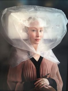 Suzanne Jongmans' take on Flemish portraits using packing materials, 2012.