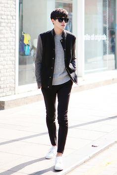 Men Clothing Great look - Korean men's street style. -Lily Men ClothingSource : Great look - Korean men's street style. Korean Fashion Street Casual, Korean Fashion Online, Korean Fashion Summer, Korean Fashion Trends, Asian Fashion, Seoul Fashion, Korean Casual, Korean Male Fashion, Ulzzang Fashion