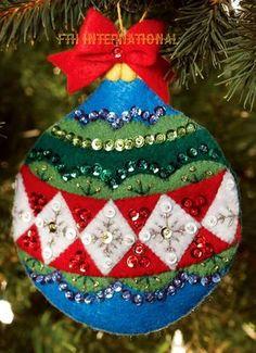 ec63d6b8e25 Bucilla Old World Ornament Gift Card Holders ~ 2 Pce Felt Christmas Kit   86542 DIY