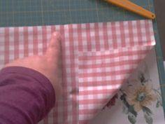 EntreHilos y algo más: TUTORIAL BOLSITA DE TELA Vide Poche, Sewing Box, Laundry Basket, Diy And Crafts, Coin Purse, Projects To Try, Patches, Quilts, Ideas Originales