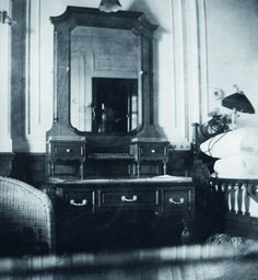 The bedroom in the Browne suite aboard the Titanic, which would have been elegant in any location