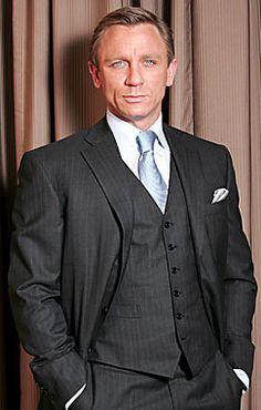 :) Daniel Craig. James Bond.