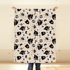 """Monstruos"" Tela por silelorduy Curtains, Shower, Prints, Wall Papers, Beanies, Monsters, Toss Pillows, Fabrics, Rain Shower Heads"
