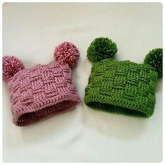 The cutest baby hats are ready for Katie!  #crochet #crocheting #crochetaddict #yarn #yarnaddict #ilovecrochet #lovecrochet #craft #creative #crochetersofinstagram #amigurumi #amigurumiaddict #instacrochet #handmade #pink #green #crochethats by cococrochet_lee