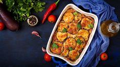 Το καλοκαίρι φτάνει και λατρεύουμε να απολαμβάνουμε καλοκαιρινά πιάτα, λαχταριστά και ελαφριά. Ένα από τα αγαπημένα μας πιάτα είναι το σουφλέ.   TASTE   BOVARY   σουφλέ, ΜΕΛΙΤΖΑΝΑ, πιάτο, ΦΑΓΗΤΟ, Συνταγή Cetogenic Diet, Traditional Italian Dishes, Food Porn, Grain Foods, Penne, Eggplant, Vegetable Pizza, Mashed Potatoes, Casserole