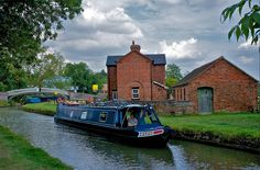 Braunston Canal - where the Oxford and Grand Union meet.
