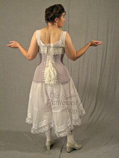 1903 Edwardian Corset Pattern An elegant and well-drafted pattern that can take you through the entire Edwardian era! This corset pattern is based on the styles seen in 1903. It has the low, full bust