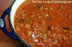 Totally trying this Italian chili recipe. I love Johnny Carinos Italian chili and I'm on a mission! Chili Recipes, Copycat Recipes, Soup Recipes, Cooking Recipes, Cooking Chili, Yummy Recipes, Chili Soup Recipe, Beans Recipes, Chili Con Carne