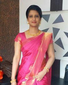 #Saree #sareelove #silksaree #southindiansaree #sareefashiondesigner #sareewomen #indian #bollywood   #ethnic #designer #bride #anarkali #ethnicwear #bridal #indianfashion #indiandesigner #indianoutfits #girl