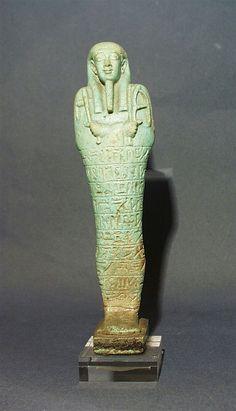 Oushebti de Smendès, prêtre de Mendès. XXXe dynastie. Allard Pierson Museum.