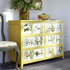 Möbel aufpeppen mit der Serviettentechnik oder Decoupage-florale Motive