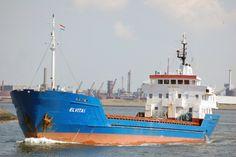 Voormalige Nederlands zeeschip gestrand http://koopvaardij.blogspot.nl/2015/06/voormalige-nederlands-zeeschip-gestrand.html