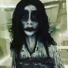 Silly Ester trying to take a selfie but ending up filming herself instead!   #creepy #monster #craft #ghost #horror #teeth #skull #bone #skin #keramik #stengods #child #mud #clay #creation #clayart #art #darkart #dark #ghost #spirit #polymerclay #konstfack