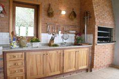 Madeira e tijolo rústico para decorar casas de fazenda